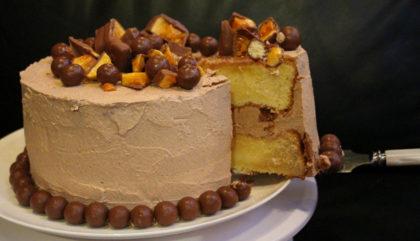 Vanilla & Chocolate Malt Cake With Maltesers & Honeycomb